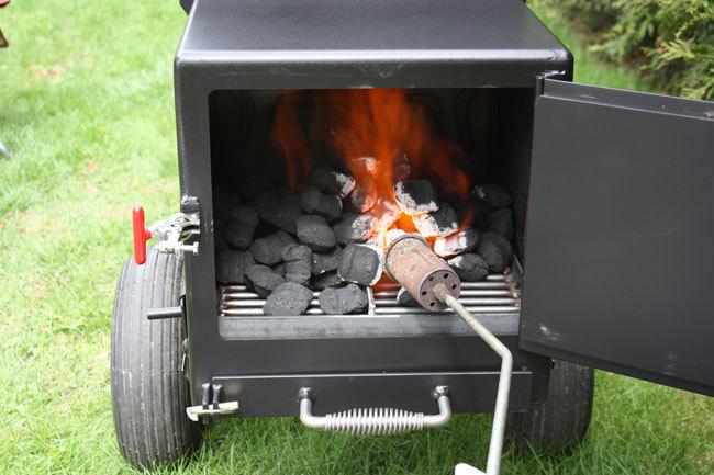 Firing the Meadow Creek SQ36 Smoker